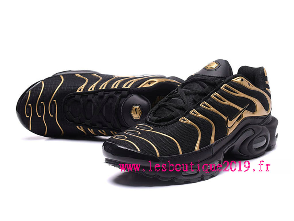 nike air max plus noires or chaussures nike running pas. Black Bedroom Furniture Sets. Home Design Ideas