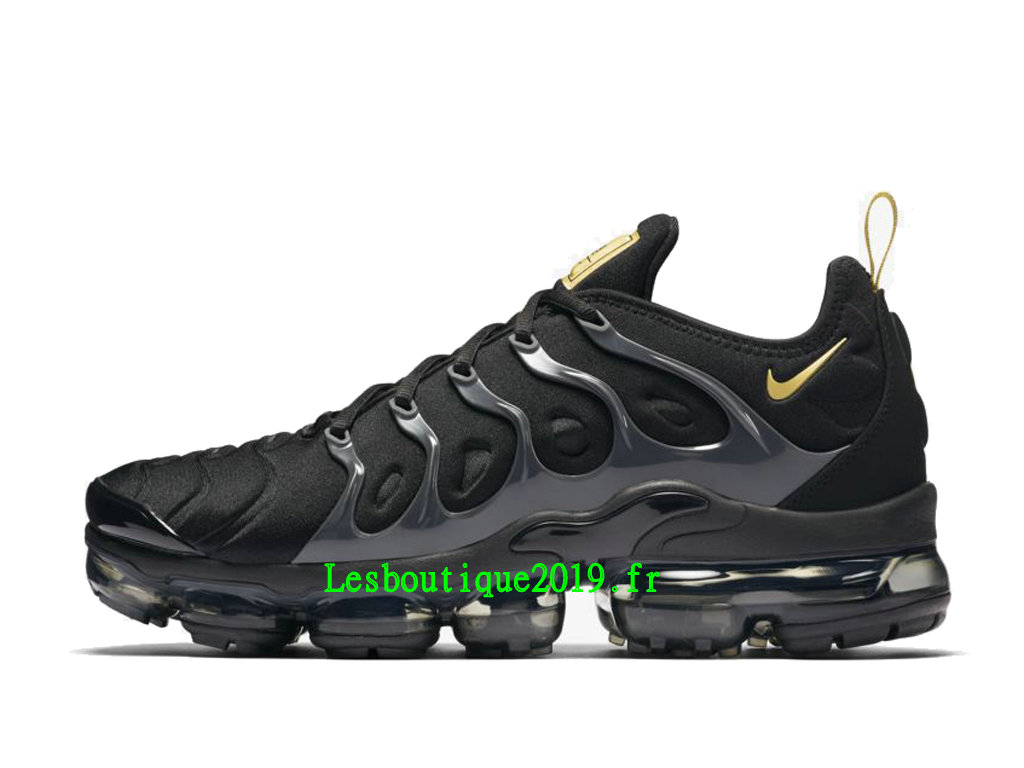 f68c80fc0cad8 Nike Air VaporMax Plus Black Gold Chaussures Officiel Basket 2019 Pas Cher  Pour Homme BQ5068- ...