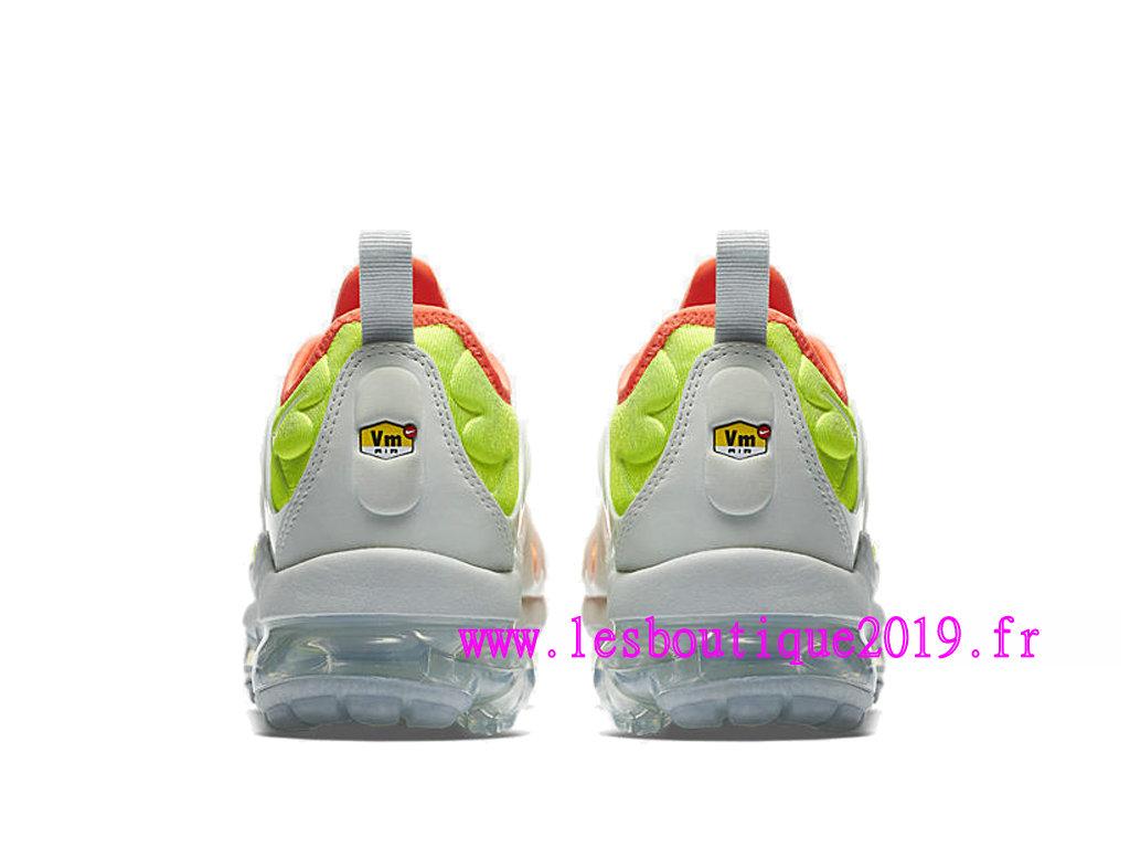 b2a2a931251 ... Nike Air Vapormax Plus GS Orange Blanc Chaussures de BasketBall Pas  Cher Pour Femme Enfant